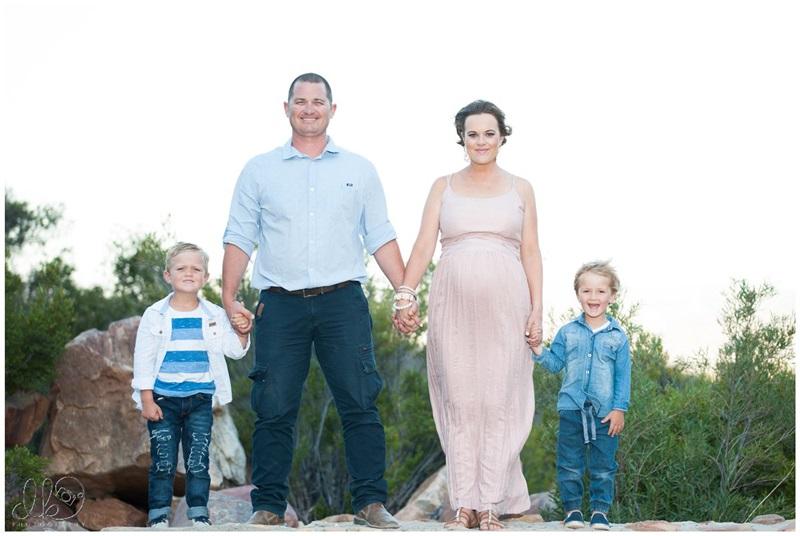 elizma-en-deon-maternity-family-shoot_desikotzephotography-0006-w